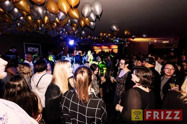 2017-03-11,_30-deluxe-party, 8750-disco-85.jpg