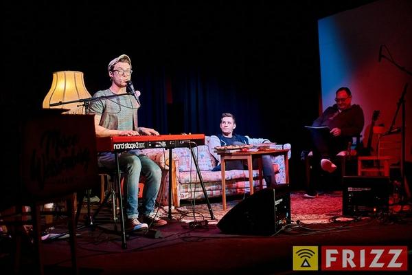 18-03-15_erthaltheater_lichttvorhang_0008.jpg