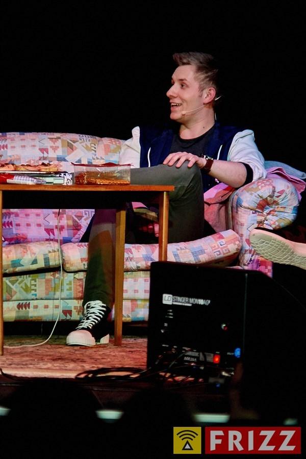 18-03-15_erthaltheater_lichttvorhang_0009.jpg