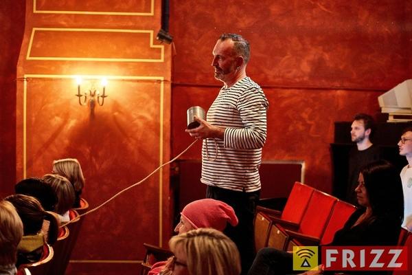 18-03-15_erthaltheater_lichttvorhang_0010.jpg
