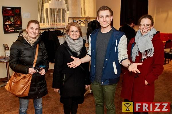 18-03-15_erthaltheater_lichttvorhang_0025.jpg