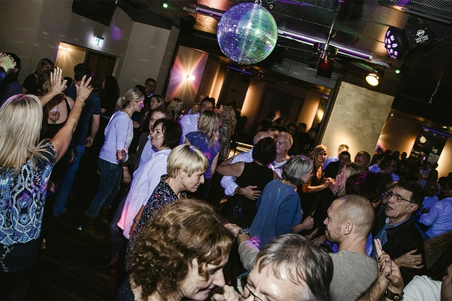 Tanzparadies Aschaffenburg 30plus frizz das magazin aschaffenburg