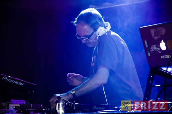 2015-12-23_vinylbarparty-sedgwick-12.jpg