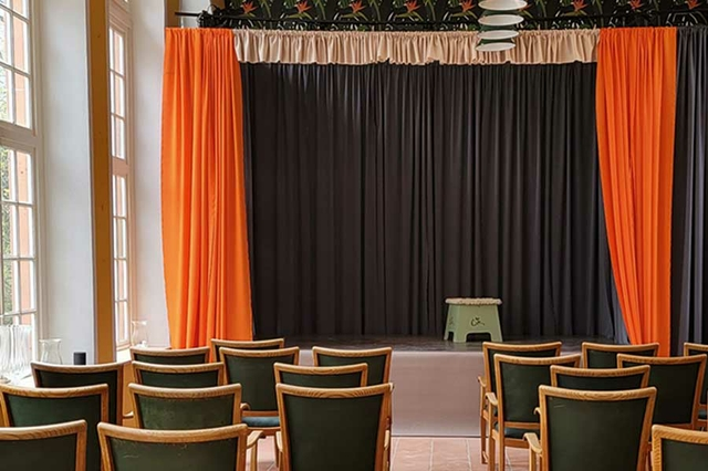 Lilli-Chapeau-Theater