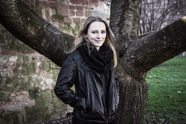 BANDBESPRECHUNG 2|2014: SOPHIA HALMEN