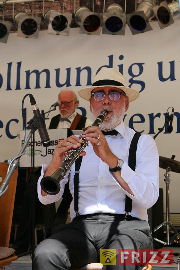 2016-08-28_faust-buehne-schlosshof-13.jpg