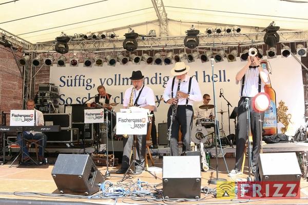 2016-08-28_faust-buehne-schlosshof-18.jpg
