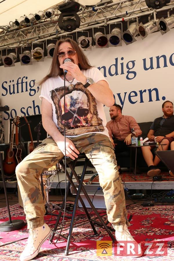 2016-08-28_faust-buehne-schlosshof-34.jpg