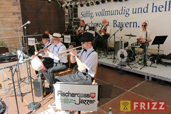 2016-08-28_faust-buehne-schlosshof-6.jpg