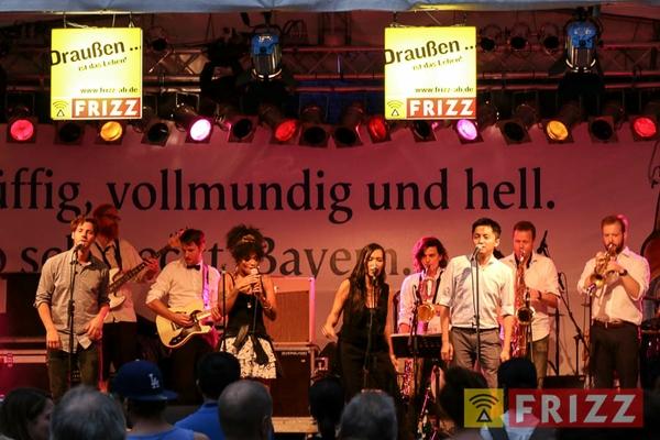 2016-08-28_faust-buehne-schlosshof-80.jpg